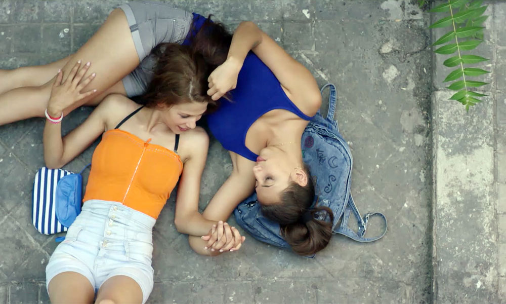 """Carmen y Lola"""