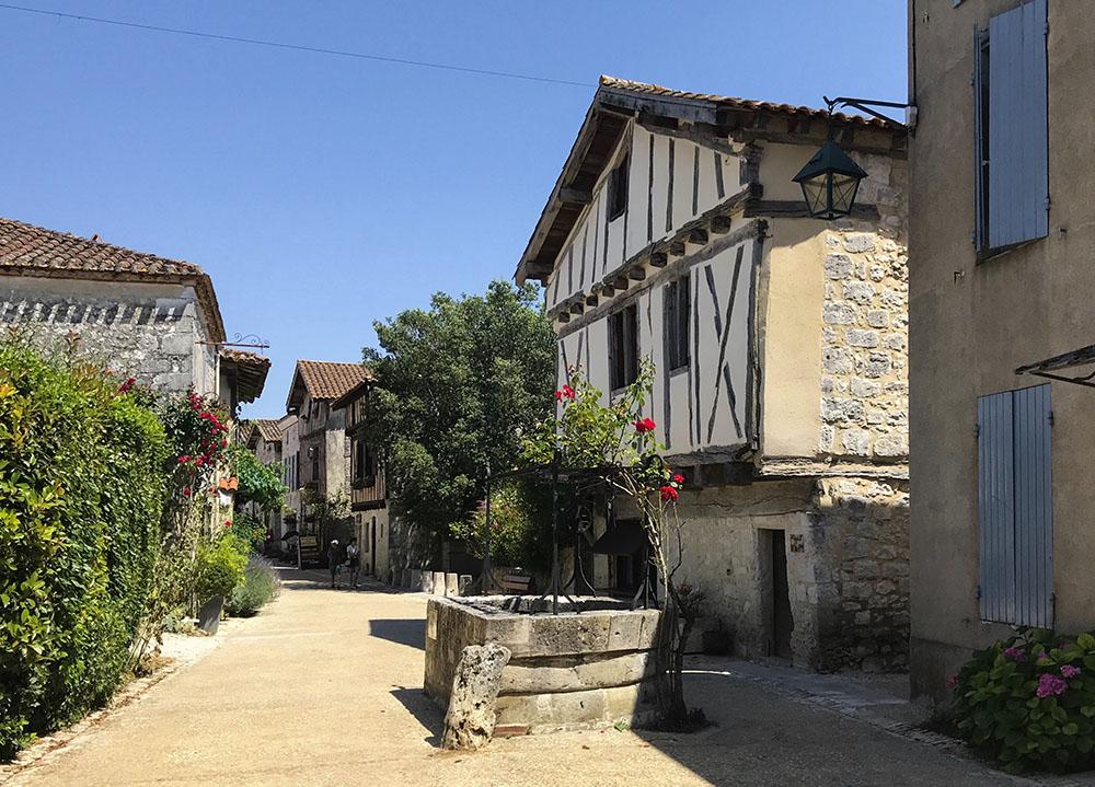 Pujols (Francia)