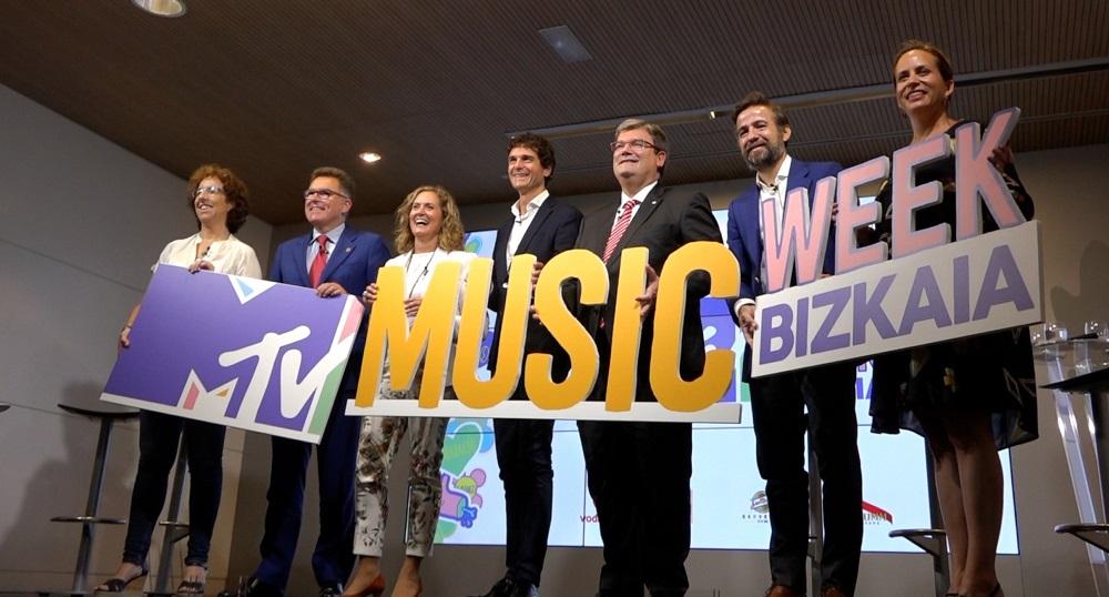 Políticos presentando MTV Music Week Bizkaia