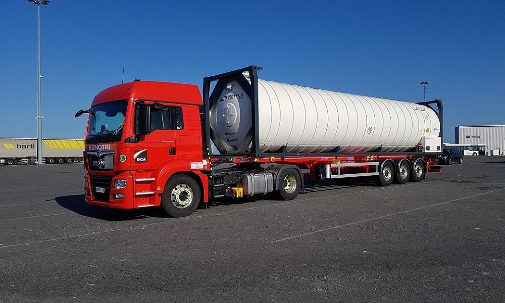 Camión en el puerto de Bilbao