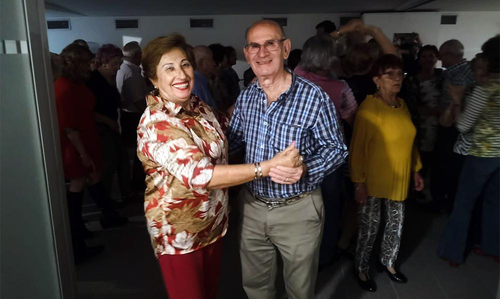 Fiesta para mayores en el barrio de Egia (Donostia)